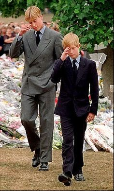 Prince William & Prince Harry outside Kensinton Palace on September 6, 1997 in London, England.