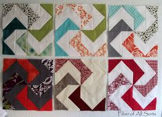 Spider Legs quilt block - no tutorial but can see how it's designed with half-square triangles. Quilting Tips, Quilting Projects, Paper Piecing Patterns, Quilt Patterns, Patch Quilt, Quilt Blocks, Triangle Quilt Tutorials, Spider Legs, Half Square Triangle Quilts