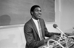 Hakeem Olajuwon Was Something Else In College, Man