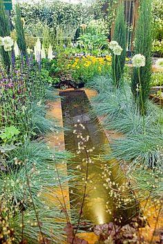 HOSTA VISTA DESIGN BY BINNY PLANTS, LANDMARKERS & ANDREA GEILE