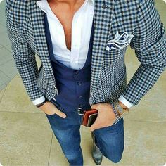 One of the essential elements of creating a visually interesting outfit is to use layers. Oftentimes, a sport coat can […] Mens Fashion Blog, Look Fashion, Swag Fashion, Blazer Fashion, Sharp Dressed Man, Well Dressed, Style Gentleman, Stylish Men, Men Casual