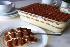 Nepečené krémové tiramisu s lehkou sametovou chutí připravené za 20 minut! Sweet Marsala Wine, Baking Recipes, Cake Recipes, Cannoli, Hungarian Recipes, Baking With Kids, Sweet Tarts, Kefir, Yummy Appetizers