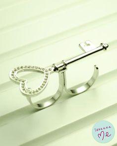 Anel Chave do Coração Banhado Prata - R$ 59,90    Disponível na nossa loja virtual: http://bzz.ms/anelchpr