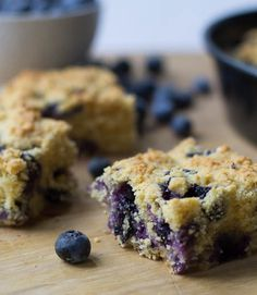 Blueberry Cornbread    1-2 tablespoons Vegetable oil  1 ½ cups blueberries  1 cup + 1 teaspoon all-purpose flour, divided  1 cup yellow cornmeal  1/3 cup light brown sugar  1 tablespoon baking powder  ½ teaspoon salt  1 large egg, lightly beaten  2/3 cup milk  ½ cup Vegetable oil  ½ teaspoon vanilla extract