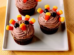 Easy Turkey Cupcakes dessert recipe perfect for Thanksgiving with COOL WHIP Frosting