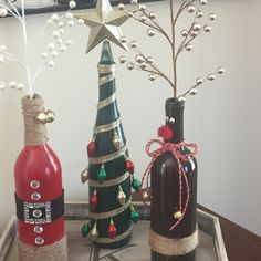 Easy DIY Dollar Store Christmas Decorating Ideas for Living Room - Wine Bottle Crafts Christmas Decorations, Snowman Crafts, Christmas . Wine Bottle Art, Painted Wine Bottles, Wine Bottle Crafts, Glass Bottle, Christmas Wine Bottles, Dollar Store Christmas, Christmas Diy, Christmas Crafts, Christmas Decorations