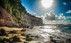 Passeie por mares transparentes e falésias coloridas da Paraíba e Rio Grande do Norte