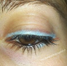 Le Crayon Yeux Turquoise BOHO GREEN http://www.ayanature.com/fr/crayons-yeux-eyeliners/406-crayon-yeux-bio-boho-green-revolution.html#/couleur-05_turquoise