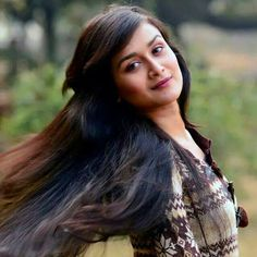 Nadia Khanom Nodi is an actress, ramp and fashion model in Bangladesh. She looks very simple and pretty. Here is her latest photo shoots. Fashion Models, Beautiful Women, Photoshoot, Actresses, Long Hair Styles, Pretty, Beauty, Girls, Female Actresses