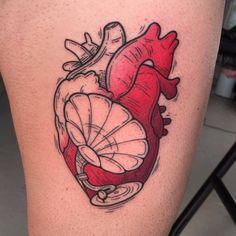 Surrealist gramophone heart tattoo. Pop Art Tattoos, Music Tattoos, Love Tattoos, Girl Tattoos, Heart Tattoos, Tattoos Musik, Beautiful Small Tattoos, Body Art Photography, Arte Pop