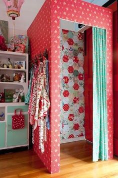Gorgeous change room in a children's boutique.... little girl home dressing room inspiration