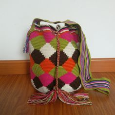 Buy your beautiful, unique #Wayuu #mochila bag now from How to Bogotá's online shop!  Find your perfect Summer bag :)
