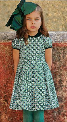 Oscar de la Renta // worn by Princess Viktoria of Bulgaria (1997, aged 6); second cousin to Saxon-Coburg