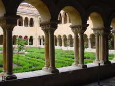 Burgos claustro Silos 27 lou - Arte románico - Wikipedia, la enciclopedia libre