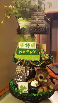 St. Patrick's day tiered tray Galvanized Tray, St Patrick's Day Crafts, St Patricks Day Crafts For Kids, St Patrick's Day Decorations, St Pattys, 3 Tier Stand, Tiered Stand, Tier Tray, Santos