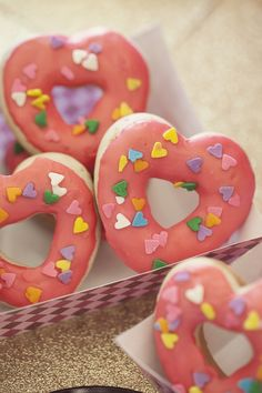 Heart doughnuts, Valentine's Day treats - photographer: Amanda Doublin / stylist: Sweet Emilia Jane / desserts: Sweets Indeed