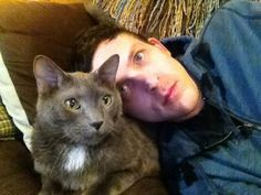 Robin Lord Taylor and a kitty ^-^