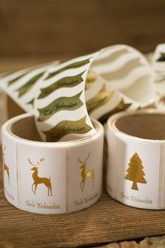 Weihnachten rückt immer näher und auch die Suche nach dem einzigartigen Geschenk für unsere Liebsten, für unsere Kunden und Geschäftspartner. Wir bieten Ihnen viele schöne Verpackungsideen, damit Sie Ihre Geschenke festlich und elegant präsentieren können. Eine große Auswahl unserer Weihnachtsartikel finden Sie auf unserer Website: www.etivera.com Napkin Rings, Elegant, Home Decor, Wrapping, Glass Bottles, Christmas, Unique Gifts, Paper Board, Searching