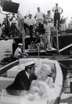 """Tony Curtis & Marilyn Monroe on the set of Some Like it Hot"""" 1959"""