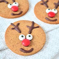 rudolph the rednosed reindeer cookies - rudolph het rendier koekjes - Laura's Bakery Holiday Desserts, Holiday Baking, Holiday Treats, Christmas Treats, Christmas Baking, Christmas Cookies, No Bake Cookies, Cake Cookies, Rudolph's Bakery