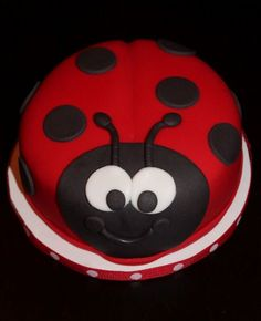 Creative Cakes by Lynn: Ladybug Cake & Cupcakes Ladybird Cake, Ladybug Cakes, Ladybug Birthday Cakes, Animal Cakes, Birthday Cake Girls, 2nd Birthday, Birthday Ideas, Specialty Cakes, Savoury Cake