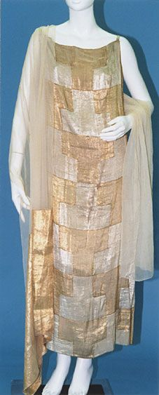 love this fabric ....Vionnet Dress - 1923 - by Madeleine Vionnet - @Mlle