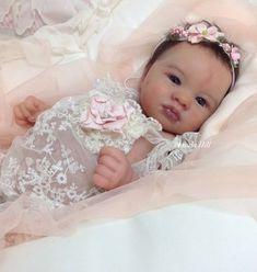 Photo by Linda Hill Bb Reborn, Reborn Baby Boy Dolls, Silicone Reborn Babies, Newborn Baby Dolls, Toddler Dolls, Cute Little Baby, Little Babies, Beautiful Babies, Beautiful Dolls