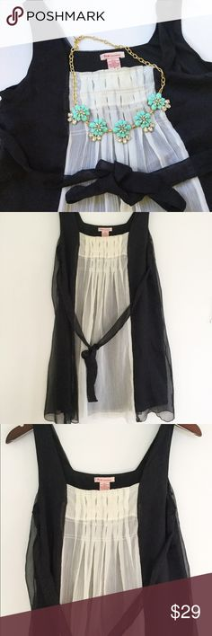 "Fire Lis Angeles Black and White Flowy Dress In great pre-owned condition, only worn a few times. Cute flowy and comfortable dress! 16"" bust and 34"" long. 100% polyester. No trades offers welcome. Fire Los Angeles Dresses Mini"