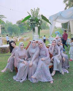 Bridal Hijab, Disney Wedding Dresses, Muslim Brides, Wedding Hijab, Muslim Dress, Pakistani Wedding Dresses, Hijab Bride, Kebaya Lace, Kebaya Dress