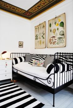 Cute iron rod looking daybed. I believe this one is from Ikea? If not Ikea has one pretty similar to it. Ikea Daybed, Cama Ikea, Daybed Room, Sofa Bed, Couch, Daybed Pillows, Bed Rug, Style At Home, White Daybed