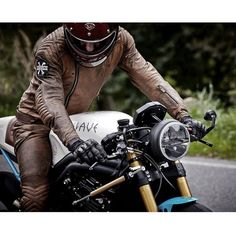 """. . @kalupmachines tailor made leathers ."""