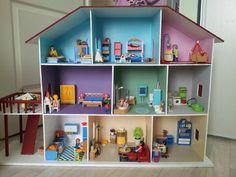 Ici, vous pouvez découvrir vos réalisations de maison de poupées d'après les plans mis en ligne ici. Si vous souhaitez m'envoyer les photos...