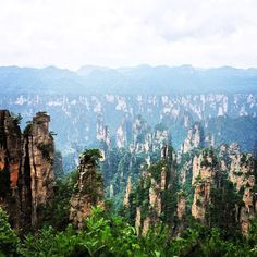 After a 10 mile hike we finally made it to this breathtaking view. #Tianzimountain #Zhangjiajie #Avatarmountains
