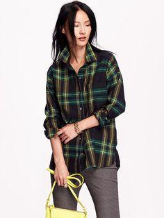 Women's Boyfriend Plaid Flannel Shirt Product Image