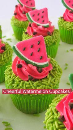 Summer Cakes, Summer Desserts, Baking Cupcakes, Yummy Cupcakes, Fun Baking Recipes, Sweets Recipes, Cupcake Day, Cupcake Cakes, Cupcake Flavors