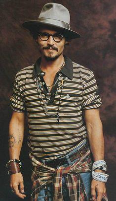 Johnny Depp, Fedora; men's style, fashion, hat, hat, glasses, beard, eyecandy, steaming hot, sexy, jewelry, stylish, portrait, photo
