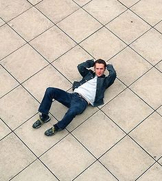 """When he pretends that he got """"caught"""" doing crunches. 56 Situations Where Andrew Lincoln Looks Absolutely Charming Walking Dead Tv Show, Walking Dead Series, Fear The Walking Dead, Rick Grimes, Sean Patrick Flanery, Andy Lincoln, Dan Stevens, Dane Dehaan, Phoebe Tonkin"""