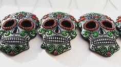 Sen's skulls by SensSkulls Tree Decorations, Sugar Skull, Skulls, Trending Outfits, Unique Jewelry, Tattoos, Handmade Gifts, Etsy, Vintage