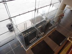 Marist College point supported all glass vestibule Office Entrance, Main Entrance, Facade Design, Architecture Design, Glass Wall Systems, Glass Museum, Door Detail, Glass Partition, Glass Facades