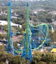 Six Flag's Magic Mountain California, Deja-Vu Roller Coaster / now goliath at six flags new england