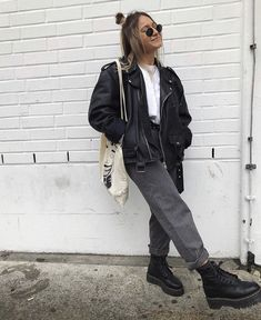 Be the best fucking human that you can be. Winter Fashion Outfits, Fall Winter Outfits, Look Fashion, Fashion 2020, Fashion Tips, Moda Streetwear, Streetwear Fashion, Cute Casual Outfits, Retro Outfits