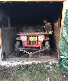 A Willys Barn Find and the Start of a First Time Restoration Project Willys Wagon, Jeep Willys, Jeep Jeep, Lifted Chevy Trucks, Old Trucks, Car Supplies, Old Jeep, Car Colors, Jeep Stuff