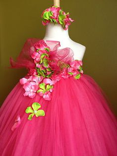 It is actually time to actually be strong and found personal twinkle baby tutu gown, most people continues to be made therefore wherever you are, you can show your glow! Little Princess, Princess Tutu, Little Girl Dresses, Girls Dresses, Flower Girl Dresses, Long Dresses, Dress Long, Tulle Dress, Dress Up