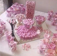 Ecco un'idea floreale per le tue bomboniere. Io le ho create per il Battesimo di una bimba, ma si adattano a qualsiasi evento!