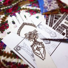 Workin on some gloves inspired Bridal Henna designs for my bride next week!! I can always think so much better with a henna cone rather than a pen!  #love #lovemyjob #bespoke #bridalhenna #sarashenna #lacehenna #laceyhenna #lacegloves #henna #hennaart #hennadoha #hennadubai #hennaartist #hennagloves #roses #netting #droplets #jewelry #inspired #monday #allthingsbridal #allthingswedding #mydubai #dubai #uae