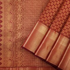 The opulence of the Kanakavalli kanjivaram sari comes into the spotlight for bridal and trousseau choices in the Valli Muhurtham curation. Kanjivaram Sarees Silk, Mysore Silk Saree, Indian Silk Sarees, Kanchipuram Saree, Soft Silk Sarees, Bridal Sarees South Indian, Wedding Silk Saree, Indian Bridal Fashion, Indian Wedding Outfits