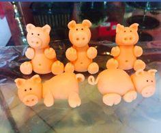 Família de porquinhos doce de leite em pó