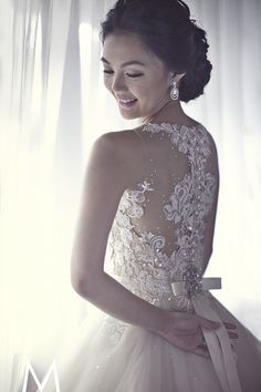 Image detail for -One of the prettiest wedding dresses I have ever seen. Designed by Veluz.