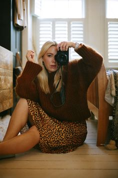 My journey into shooting film photograhy, why I love it, the cameras I'm using, the film I've bought & my tips for venturing into film photography yourself Film Photography Tips, Old Cameras, Shoot Film, Pattern Fashion, How To Look Pretty, Role Models, Trendy Outfits, Going Out, Journey