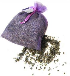 Give yourself some TLC with an aromatherapy herbal bath tea recipe. Blend your own essential oils and herbs to soothe your nerves and soften your skin. Scented Sachets, Lavender Sachets, Lavender Oil, Dog Perfume, Scented Pinecones, Homemade Air Freshener, Bath Tea, Milk Bath, Mother's Milk